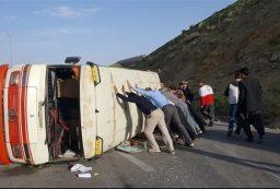 مصدومیت ۱۹ مسافر بر اثر واژگونی مینی بوس در سنندج