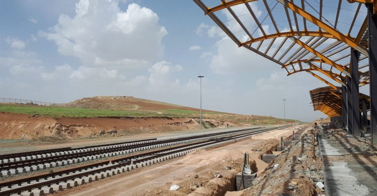 ریلگذاری راهآهن همدان – سنندج تا ۱۵ مهر به اتمام میرسد